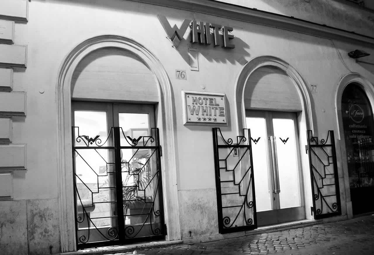מלון White Hotel