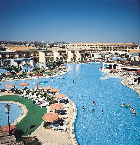 מלון Aeneas Hotel