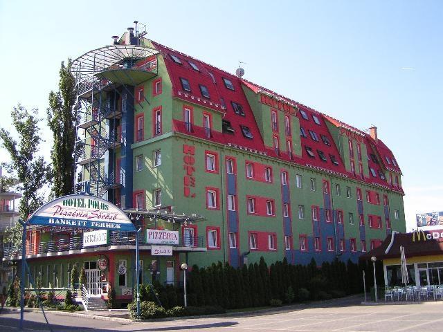 מלון Polus