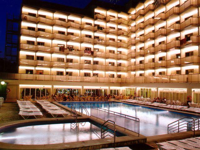 מלון Royal Beach