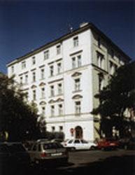 מלון Aron