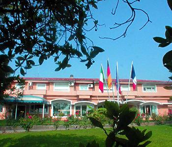 מלון West Garda