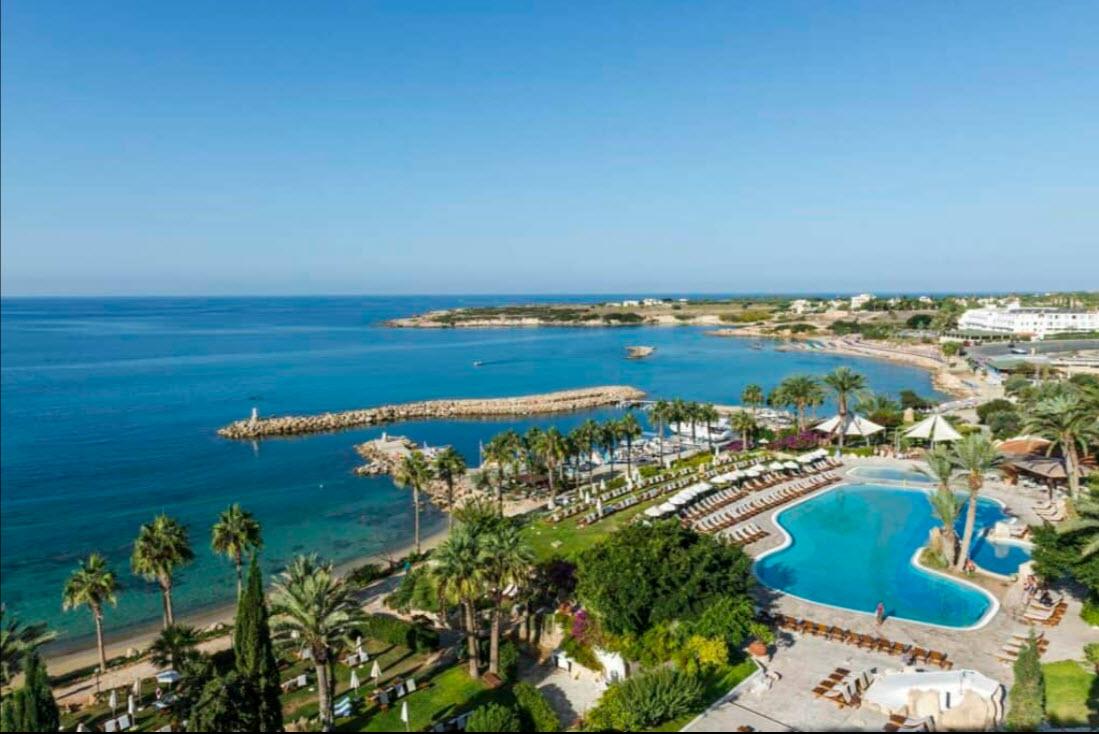 מלון Coral Beach