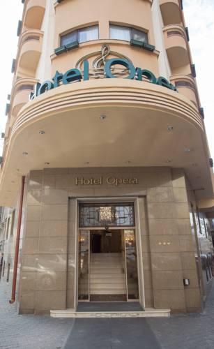 מלון Opera