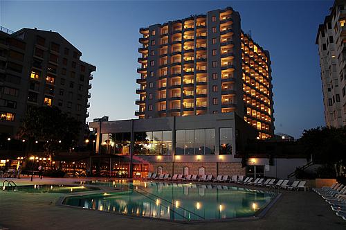 מלון Adonis