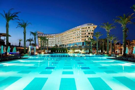 מלון Concord Resort