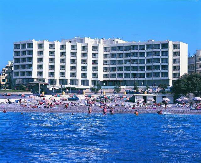 מלון Blue Sky