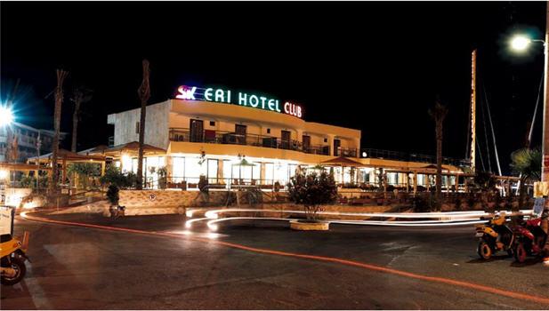 מלון Eri Beach Village