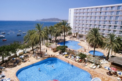 מלון Tres Carabelas Sirens Hotel