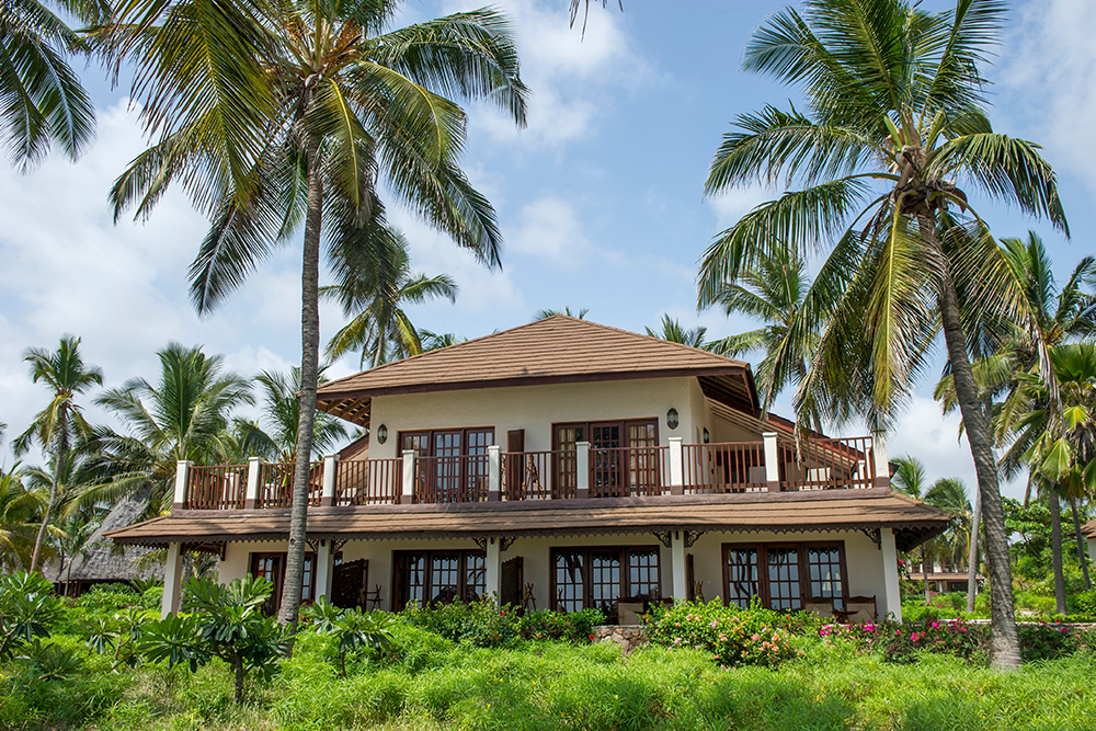 מלון Breezes Beach Club And Spa