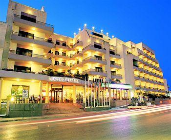 מלון Santana Hotel