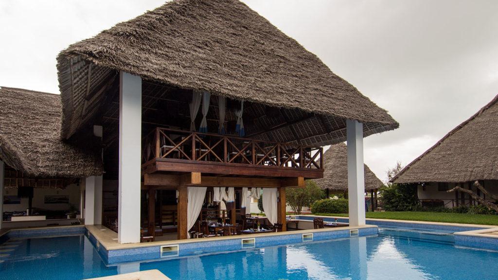 מלון Karafuu Hotel Beach Resort