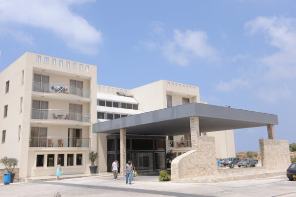 מלון Capital Coast Resort And Spa