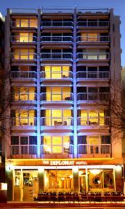 מלון Diplomat Hotel