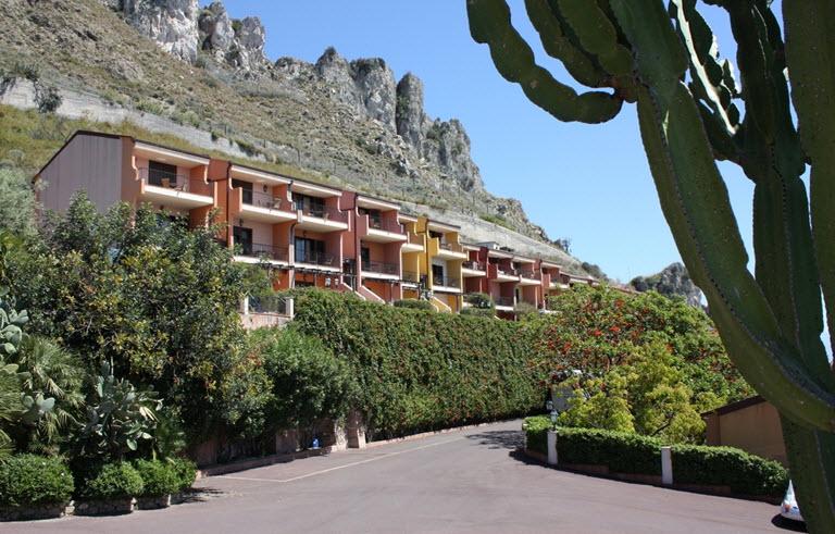 מלון Nh Capo Dei Greci