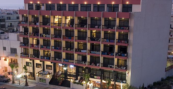 מלון Canifor