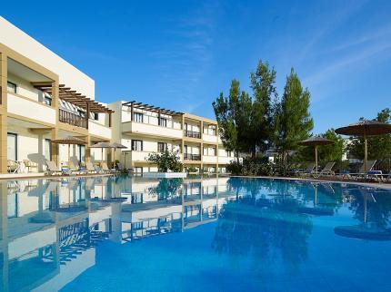 מלון Miraluna Village