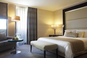 מלון Galaxy Hotel