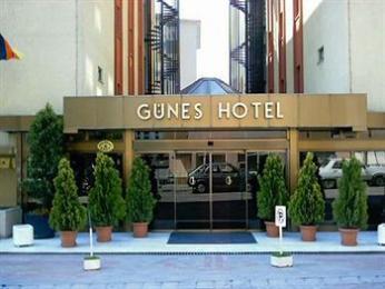 מלון Gunes