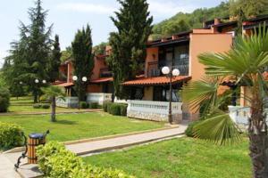 מלון Elenite Holiday Village