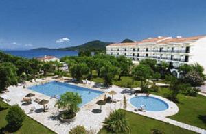 מלון Delfinia Hotel