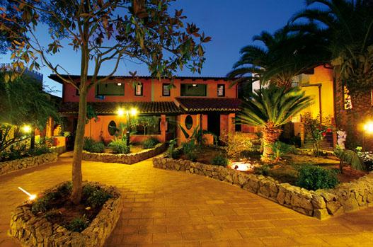 מלון Costa Degli Dei