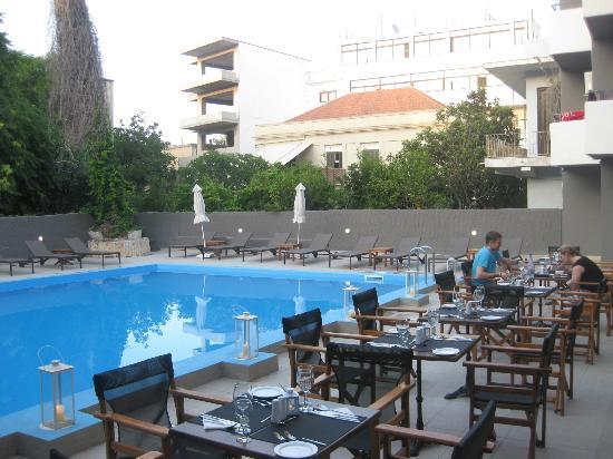 מלון Amphytrion Boutique Hotel
