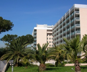 מלון Aran Park Hotel