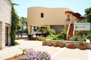 מלון Latania Apts