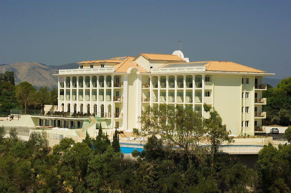 מלון Aquis Avalon