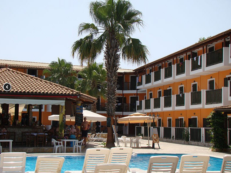 מלון Dimis