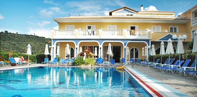 מלון Petros Hotel