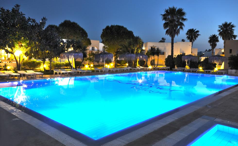 מלון Summer Village