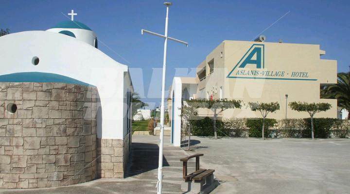 מלון Aslanis Village