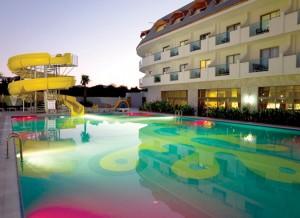 מלון Armas Resort Hotel
