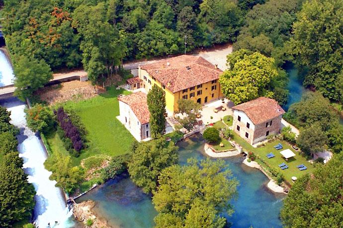 מלון Villa Deimulini