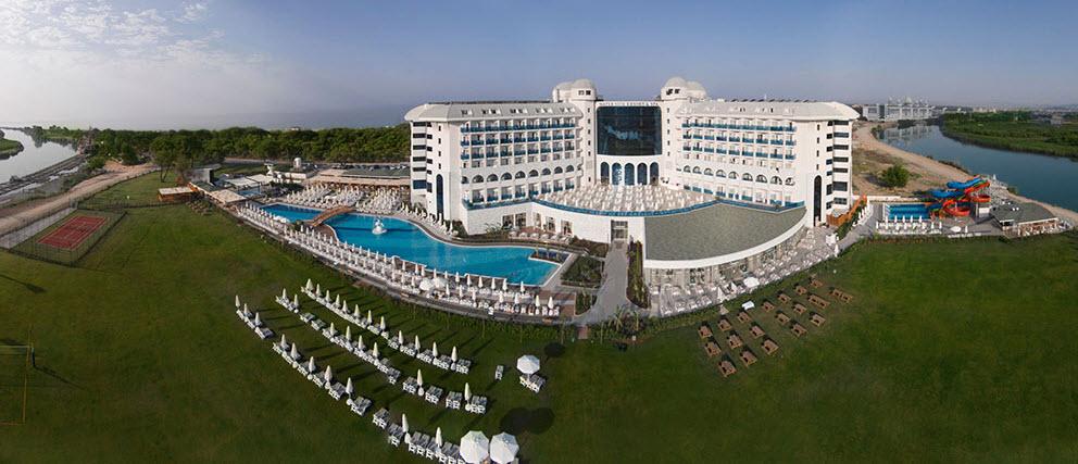 מלון Waterside Resort Spa