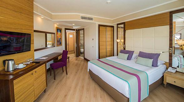 מלון Dream World Aqua